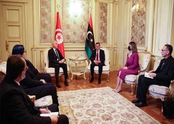 تونس وليبيا: المسار الشاق نحو الديمقراطية