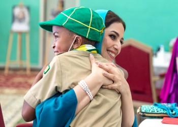 بمناسبة عيد الأم.. زوجة سلطان عمان تثير تفاعلا بزيارة مركز أيتام