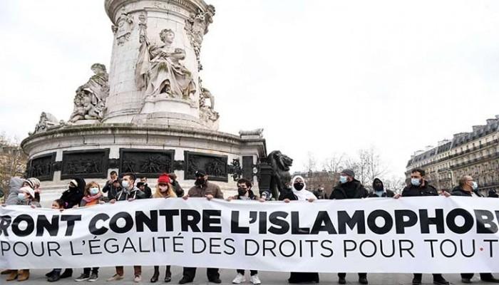 فرنسا.. المسلمون أمام قيم جمهورية عنصرية
