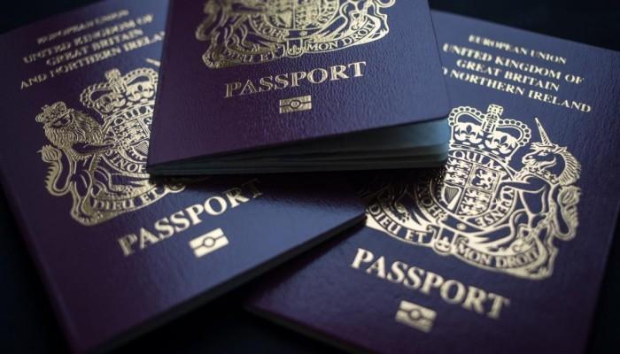 قطر تدرس إصدار جواز سفر للحاصلين على لقاح كورونا