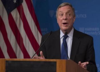 سيناتور أمريكي يطالب السعودية والإمارات بالإفراج عن المعتقلين السياسيين
