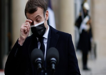 ماكرون: أوروبا تواجه حربا عالمية بسبب لقاحات كورونا