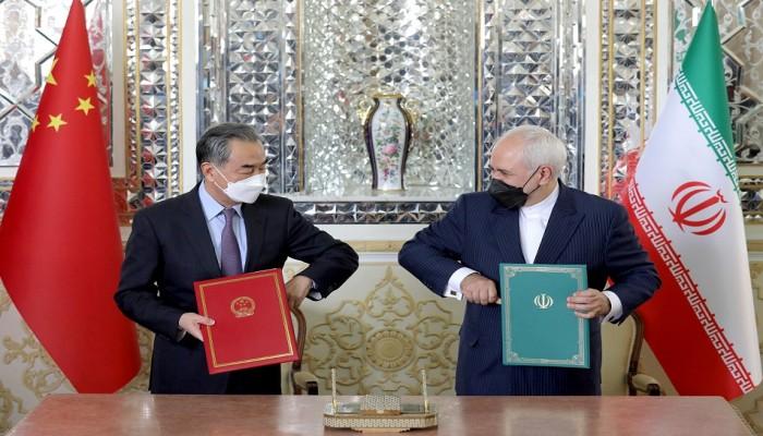 ن.تايمز: اتفاقية الصين مع إيران تقوض جهود أمريكا لعزلها