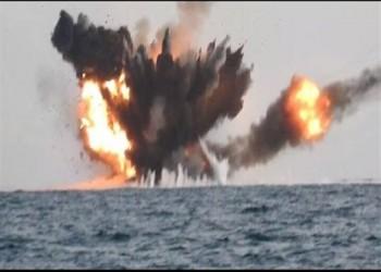 التحالف يعلن تدمير زورقين مفخخين حوثيين قبل الهجوم على ميناء الحديدة
