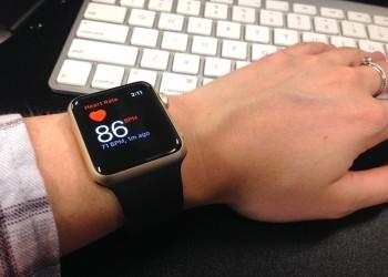 ساعة أبل قد توفر على مرضى القلب زيارة الطبيب