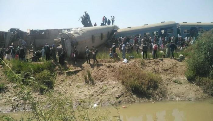النائب العام المصري يأمر بحبس 8 متهمين في حادث قطاري سوهاج