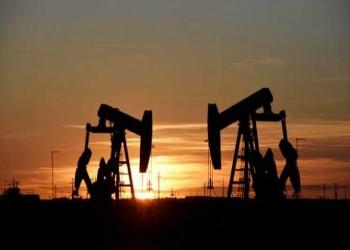 تراجع أسعار النفط بعد تحول الأنظار عن قناة السويس نحو أوبك
