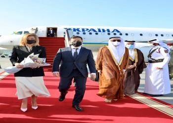 الرئيس الأوكراني يصل إلى الدوحة.. وأمير قطر يستقبله الإثنين