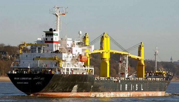 إيران تتوعد بالرد على استهداف سفينتها بالبحر الأحمر بعد إجراء التحقيقات