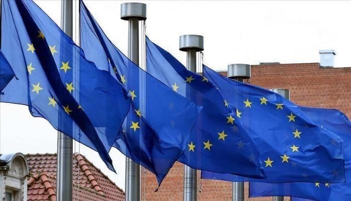 الاتحاد الأوروبي وفرنسا يدرسان فرض عقوبات على ساسة لبنانيين