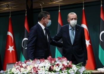 شركات تركية توقع مذكرات تفاهم مع ليبيا لبناء 3 محطات كهرباء وصالة مطار