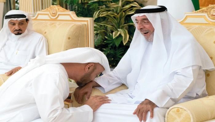 الشيخ خليفة وقادة الإمارات يهنؤون روحاني بحلول رمضان