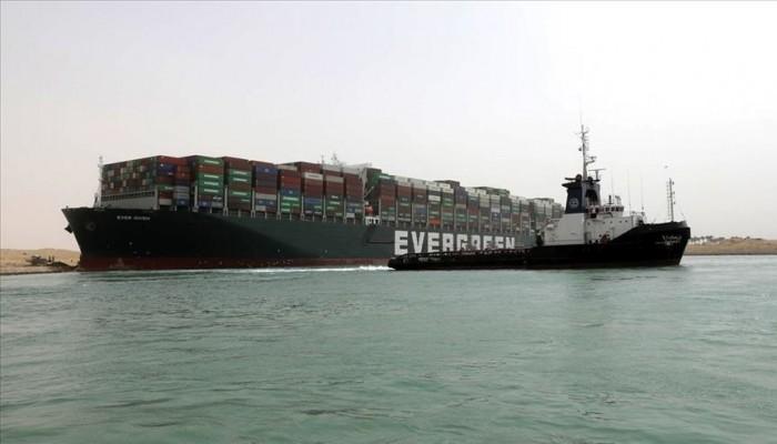 """مصر تمنح حوافز تعويضية لـ422 سفينة متضررة من جنوح """"إيفرجيفين"""""""