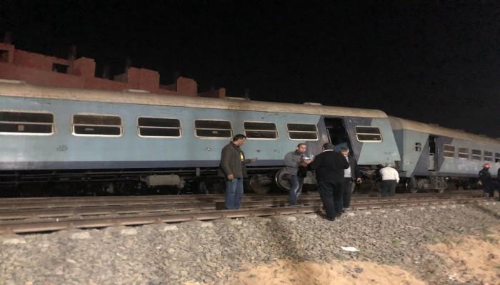 الثاني خلال شهر.. حادث قطار جديد في مصر وأنباء عن إصابات (فيديو)