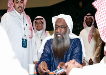 رغم تلقيه جرعة اللقاح الثانية.. داعية سعودي شهير يعلن إصابته بفيروس كورونا