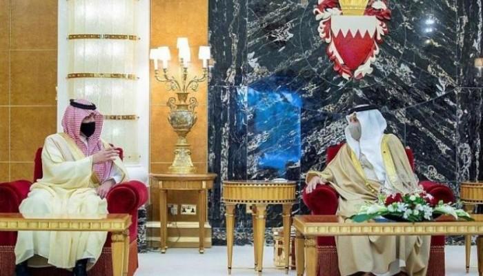 ملك البحرين وولي عهده يستقبلان وزير الداخلية السعودية