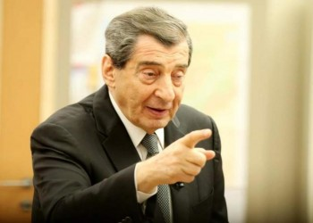 نائب رئيس البرلمان اللبناني يجدد دعوته لتسليم الجيش مقاليد السلطة