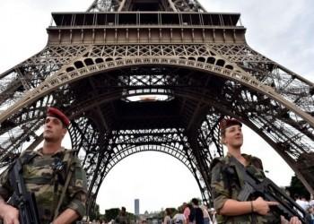 أكثر من ألف عسكري يوقعون مقالا يحذر من تفكك فرنسا.. وتحذيرات من انقلاب عسكري