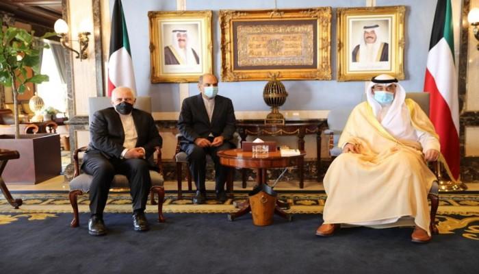 ظريف من الكويت: بوادر إيجابية لحل أزمات المنطقة والملف النووي