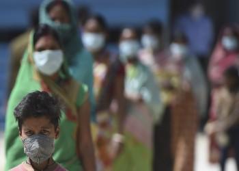 بعد توحش الإصابات.. الهند تعمم لقاح كورونا على جميع البالغين
