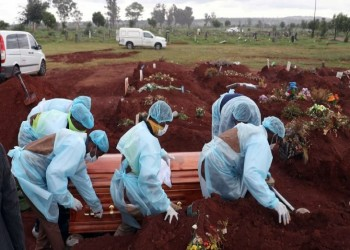 صنداي تايمز: أعداد مذهلة لوفيات كورونا بأفريقيا.. والأرقام الرسمية غير حقيقية