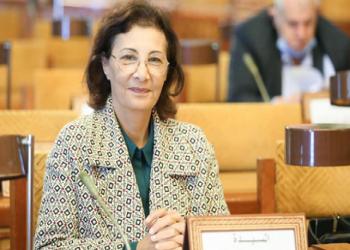 بعد تلقيها اللقاح متجاهلة الأولويات.. برلمانية عن حركة النهضة التونسية تعتذر