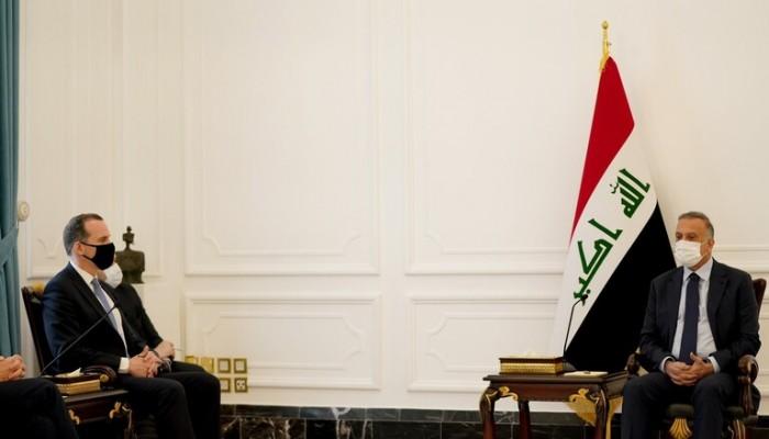 الكاظمي يناقش مع مسؤولين أمريكيين الانسحاب من العراق