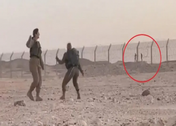 فيديو متداول لمجندين مصريين يرقصان مع إسرائيليات على الحدود