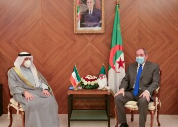 حاملا رسالة أميرية.. وزير الخارجية الكويتي يصل الجزائر لتعزيز التعاون
