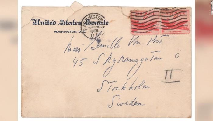 ماذا تقول رسائل حب من الرئيس الأمريكي الراحل كينيدي إلى عشيقته؟