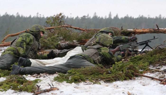 السويد تجهز شعبها لحرب باردة.. وتستعد لغزو روسي محتمل