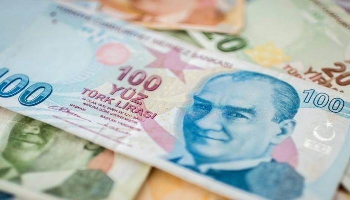 الليرة التركية عند أدنى مستوى في 2021