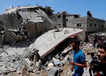 محاصر داخل بيتي المتصدع جراء القصف الإسرائيلي.. استغاثة مواطن في غزة
