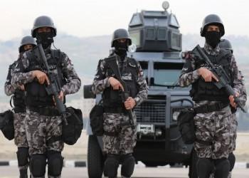 الأردن.. الأمن يعتدي على متظاهرين قرب السفارة الإسرائيلية (فيديو)