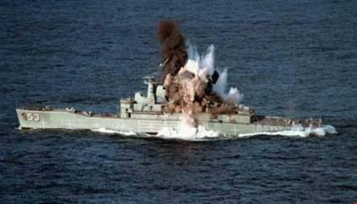 كتائب القسام تعلن استهداف بارجة إسرائيلية قبالة شواطئ غزة