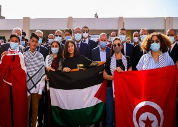 علم فلسطين يرفرف في مدارس ومعاهد تونس (فيديو)