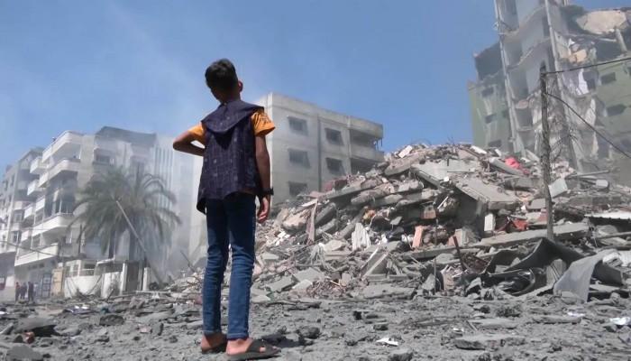 بعد تواضع الإنجاز العسكري.. الاحتلال يستهدف البنية التحتية ومنشآت اقتصادية بغزة (صور)