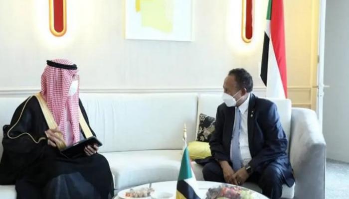 السعودية تتعهد بدعم إعفاء السودان من ديونه وفتح بنوك بالخرطوم