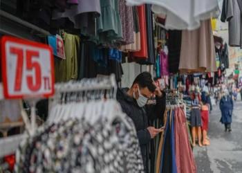 انخفاض حاد لليرة التركية مع ارتفاع التضخم وتوقعات خفض الفائدة