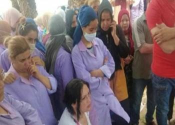 صاحب مصنع إيطالي في تونس يضرب عاملات ويثير غضبا بالبلاد (صور)