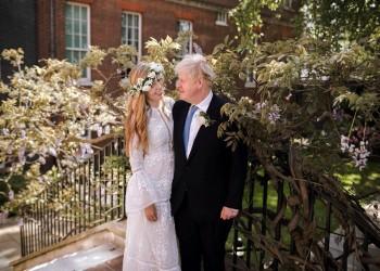 رئيس وزراء بريطانيا يتزوج خطيبته بحفل سري في كاتدرائية