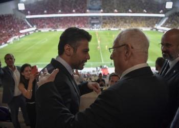 سفير الإمارات بجانب رئيس إسرائيل في نهائي كأس كرة القدم (فيديو)