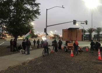 متظاهرون يمنعون سفينة شحن إسرائيلية من التفريغ بولاية كاليفورنيا