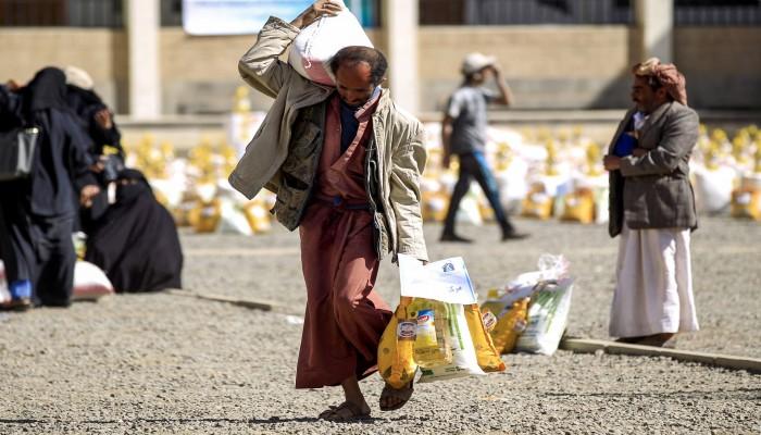 الحوثيون يرفضون إدخال 250 ألف كيس دقيق مساعدات إلى اليمن