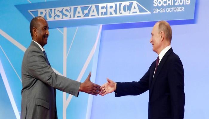 كيف أصبح السودان ساحة معركة مهمة في الصراع بين أمريكا وروسيا؟