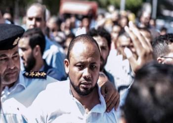 من منصة الدفاع لقفص الاتهام.. قصة 20 شهرا من اعتقال المحامي المصري محمد الباقر