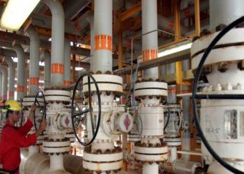 إيران تؤكد استعدادها لزيادة إنتاج النفط سريعا