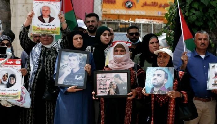 طلبا للحرية.. 5 أسرى فلسطينيين يواصلون معركة الإضراب عن الطعام
