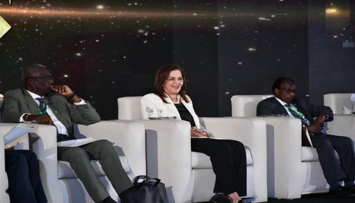 مخالفة السيسي.. وزيرة مصرية: استثماراتنا في البنية التحتية تجاوزت 100 مليار دولار