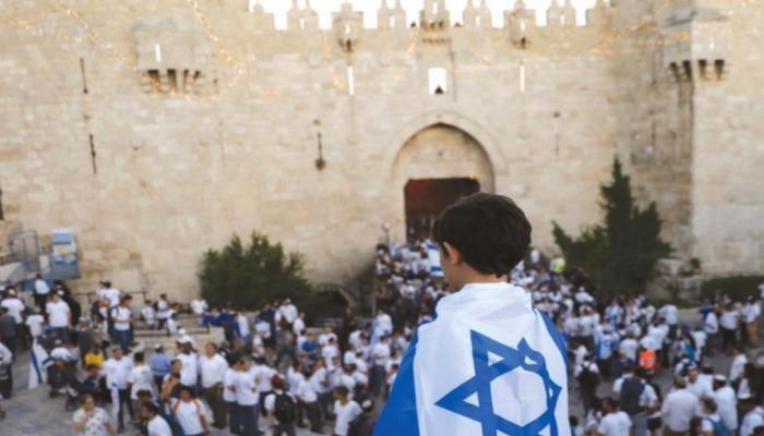 إسرائيل تصادق على تنظيم مسيرة الأعلام في القدس.. والجيش يستنفر